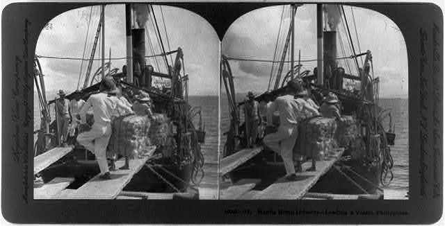 Manila hemp industry, Philippines: Loading a vessel