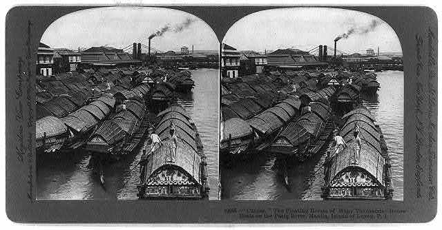 "Manila, Island of Luzon, Philippine Islands: ""Cascos,"" the floating homes of many thousands - house boats on the Pasig River"
