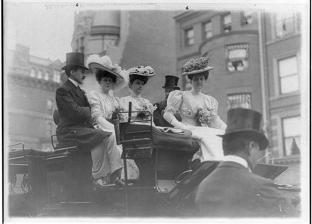[New York (City). Coaching club group on top of coach: Mr. & Mrs. Robert Brewster, Mrs. O. Gould Jennings and Rosamond Street]