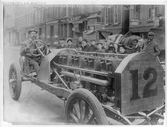 Vanderbilt's 250 horse power auto, Sartori driving