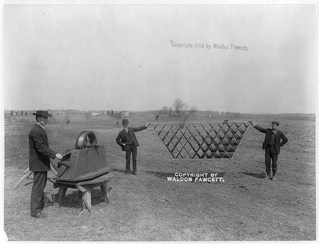Wireless telegraphy kite