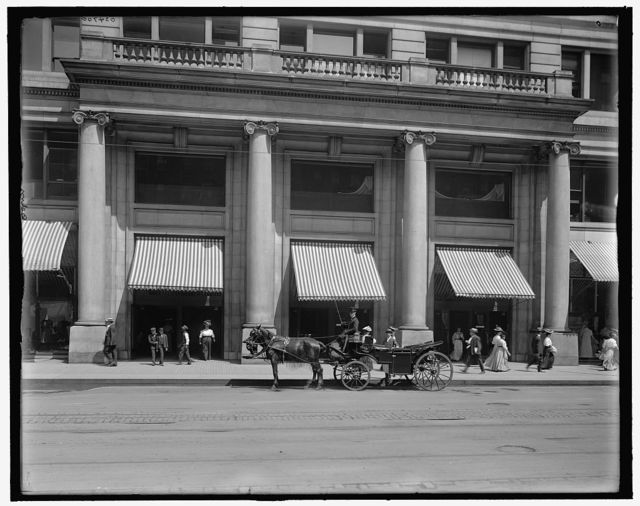 [Entrance to Marshall Field's (Marshall Field & Co.)store, Chicago, Ill.]