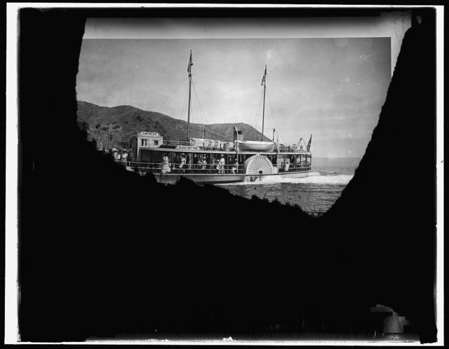"Glass bottom motor-boat ""Empress,"" Santa Catalina Island, Calif."