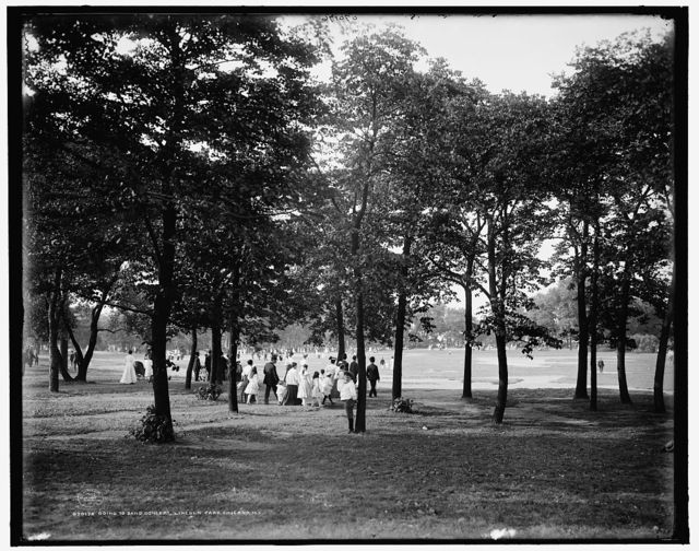 Going to band concert, Lincoln Park, Chicago, Ill.