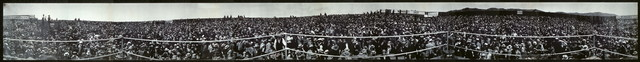 [Panorama, crowds at Squires - Burns international contest from centre of ring, Colma, July 4th, 1907]