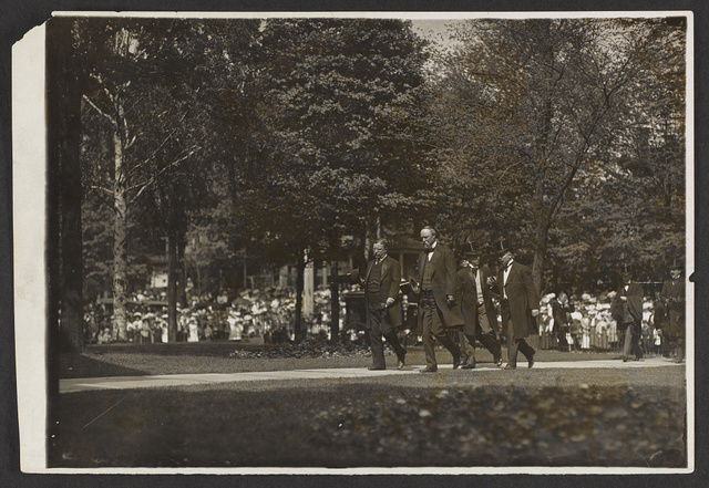 President Roosevelt and Vice-President Fairbanks at Caton, O[hio] / photo by L. Van Oeyen, News-paper & commercial photographer, Cleveland, O.