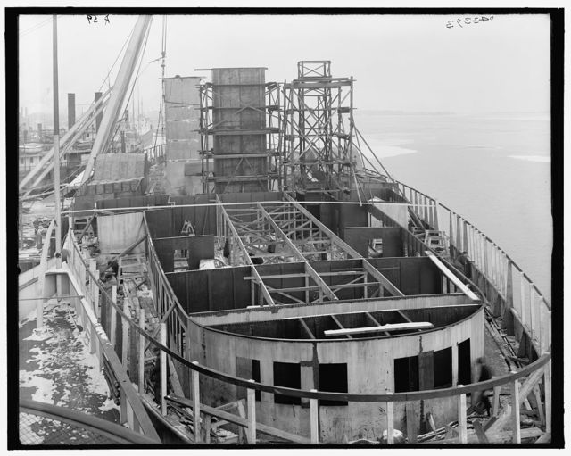 [Steamer City of Cleveland, stern view showing construction]