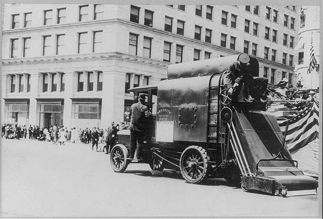 Street cleaning - Auto street cleaner. New York