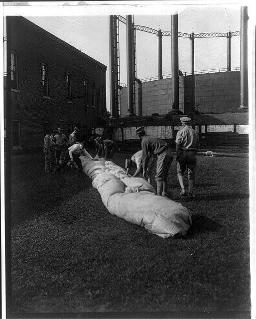 U.S. Signal Corps with balloon during operations at Ft. Myer, Va., 1907