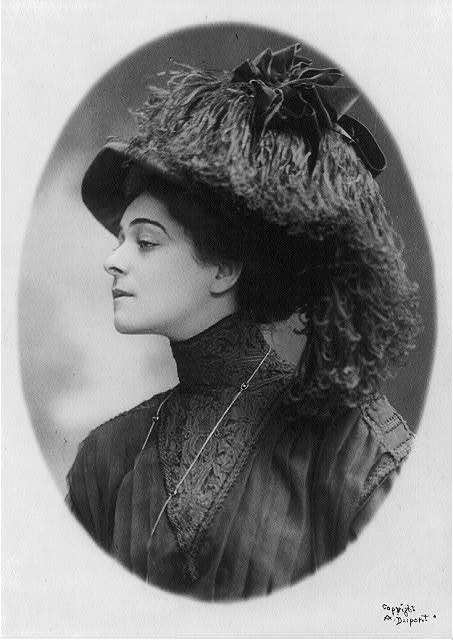 [Alla Nazimova, 1879-1945, bust portrait, facing left]
