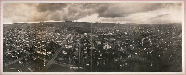 Berkeley Cal., looking east, from 1000 ft. elevation, from Lawrence Captive Airship, Nov. 24, 1908