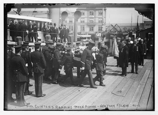 Bringing Gov. Clinton's remains ashore, New York
