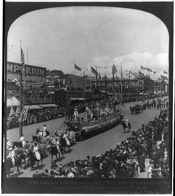 """Calif. - San Francisco - """"Vallejo's welcome to the [U.S. Atlantic] fleet - float built by workmen of Mare Island Navy Yard"""" [in parade]"""