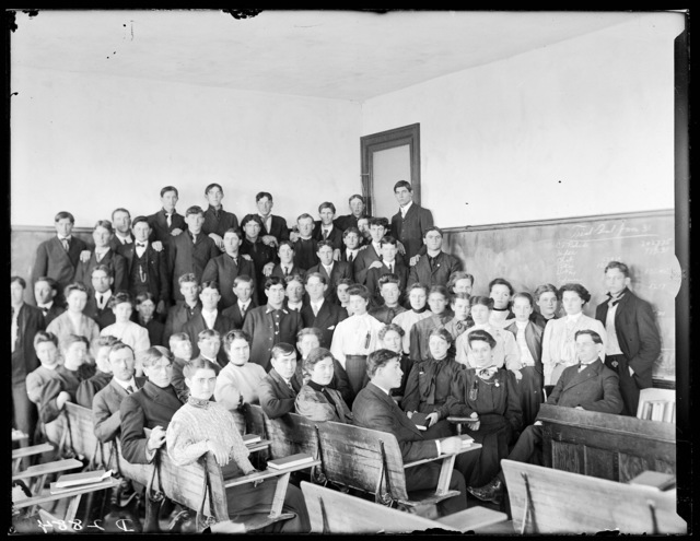 Classroom of commercial students and teachers at State Normal School, Kearney, Nebraska.