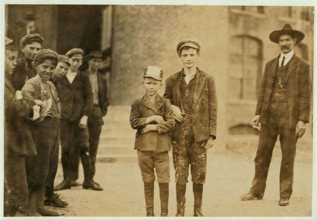 Closing hour Loray Mill, Gastonia, N.C.  November 7, 1908. Location: Gastonia, North Carolina / Photo by Lewis W. Hine.