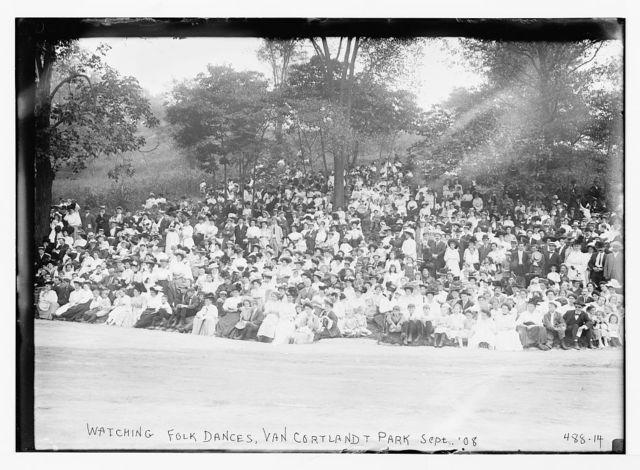 Crowd watching folk dances, Van Cortlandt Park [New York]