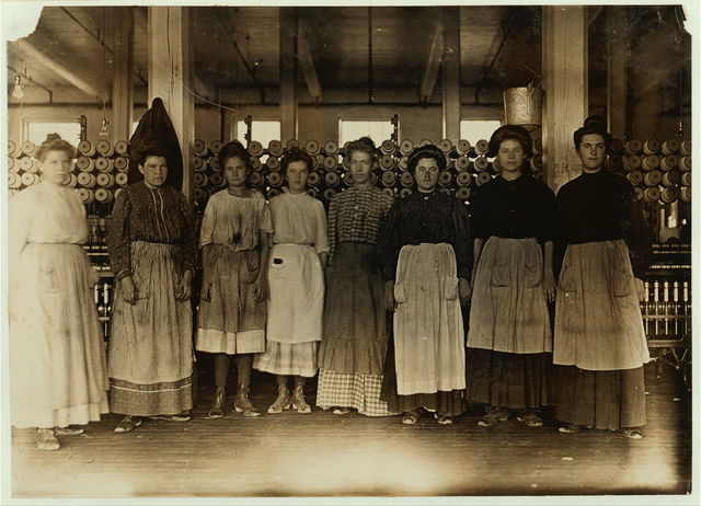 Daniel Mill, Lincolnton, N.C. Group of women and two girls. Shows type of adolescent.  Location: Lincolnton, North Carolina / Photo by Lewis W. Hine.
