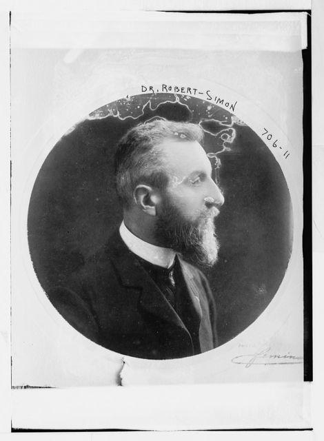 Dr. Robert Simon, profile in round frame portr.