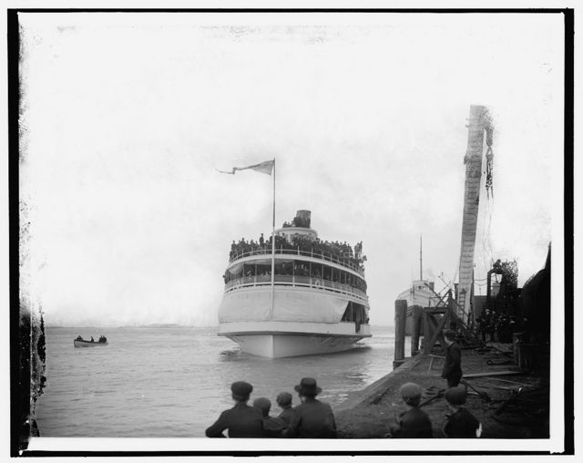 [Ferry at launch of the S.S. William Livingstone]