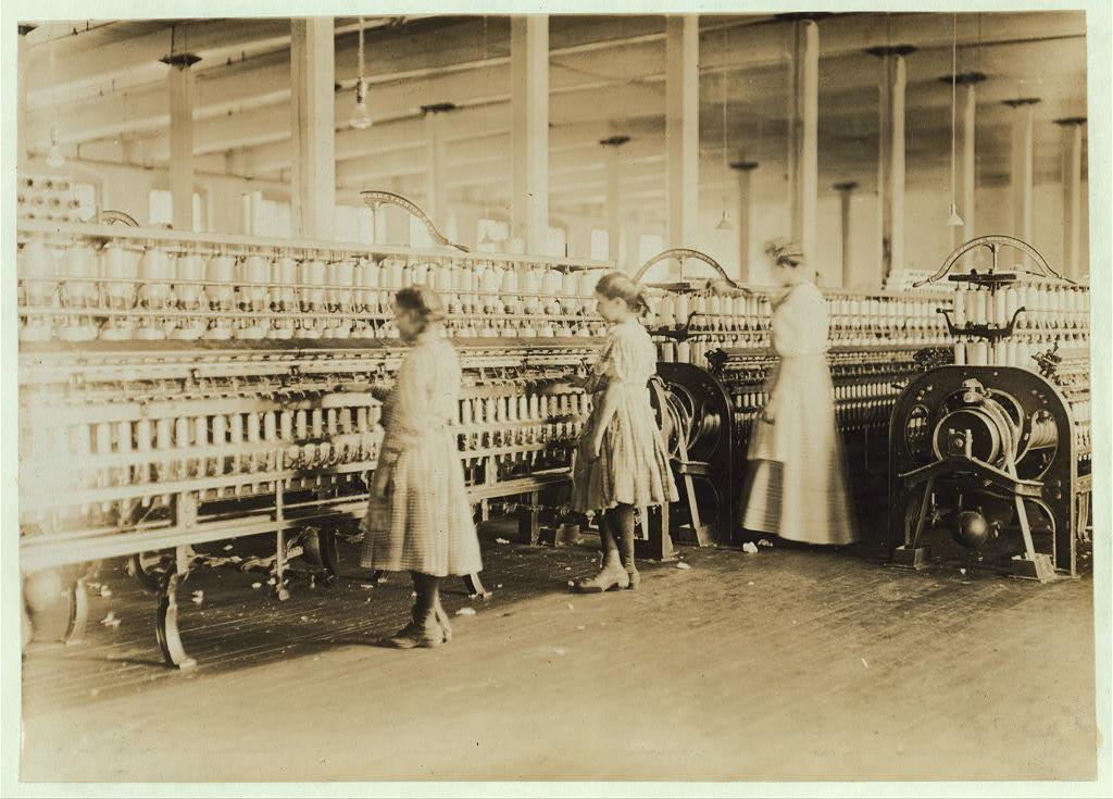 Girls in Daniel Mill, Lincolnton, N.C.  Location: Lincolnton, North Carolina / Photo by Lewis W. Hine.