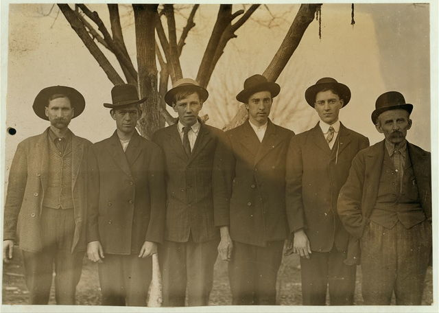 Group of mill hands working in Salisbury, N.C. Cotton Mills.  Location: Salisbury, North Carolina / Photo by Lewis W. Hine.