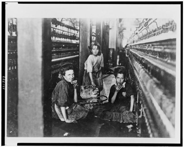 Lunch time, Kesler Mfg. Co. The little one carries the lunch. Usually the hands all go home to dinner.  Location: Salisbury, North Carolina.