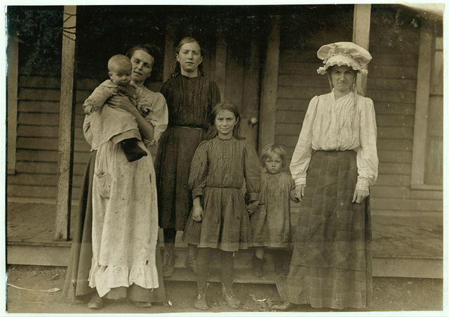 Mill folks, Salisbury Mills, (N.C.)  Location: Salisbury, North Carolina / Photo by Lewis W. Hine.
