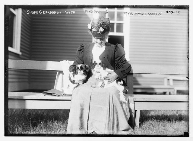 "[Mineola Dog Show], Susan Gerkhardt with ""Ping Pong"" & ""Fiko"", Japanese Spaniels"