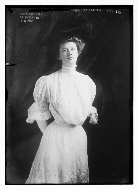 Mrs. Joe Leiter, standing, three-quarters, copyright by Harris & Ewing / Harris & Ewing