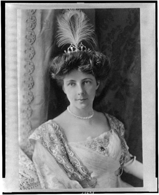 [Mrs. William Bourke Cockran, half-length portrait, facing front]