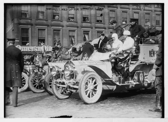 New York - Paris race: cars lined up to start, New York