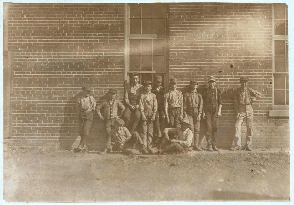 Noon Hour, Bosse Furniture Co., Evansville, Ind. Oct. 1908.  Location: Evansville, Indiana.