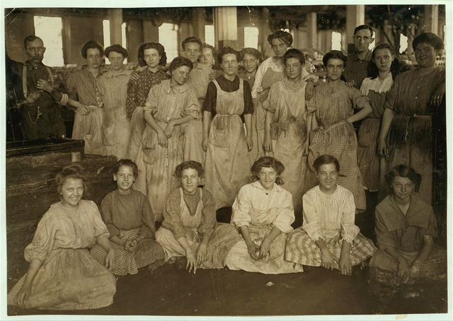 Noon Hour In an Indianapolis Cotton Mill, Aug., 1908. Wit., E. N. Clopper.  Location: Indianapolis, Indiana.