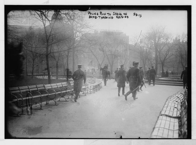 Police hurry to bomb-throwing scene, Union Square, anarchist riot, New York