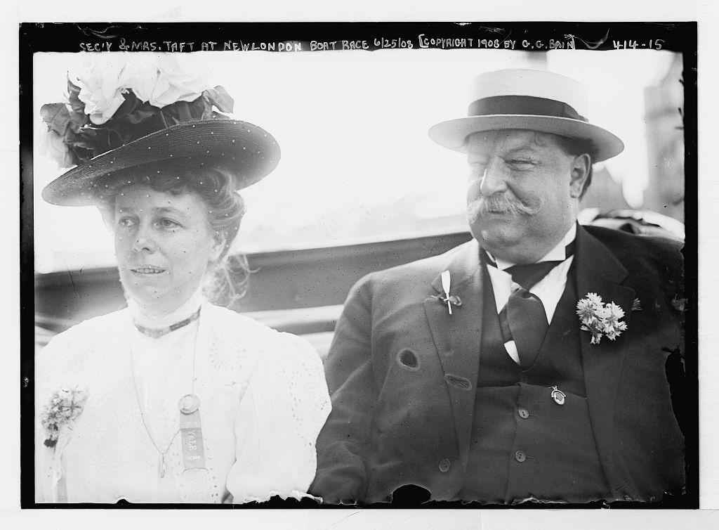 Sec'y & Mrs. Taft at New London boat race [Harvard-Yale]