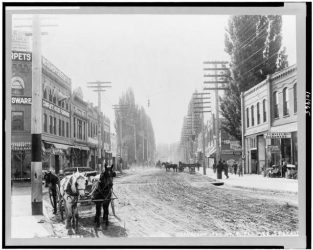 [Street scene, Lewiston, Idaho]