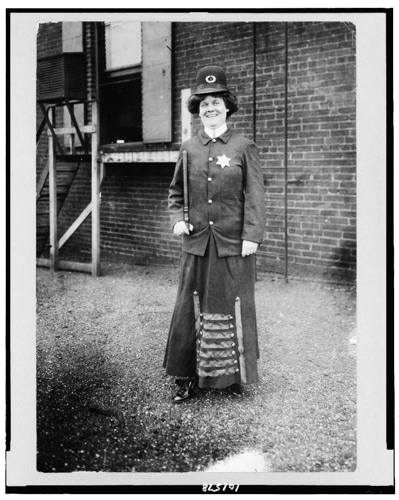 [Suffragette posed in police uniform to illustrate woman police concept, Cincinnati, Ohio]