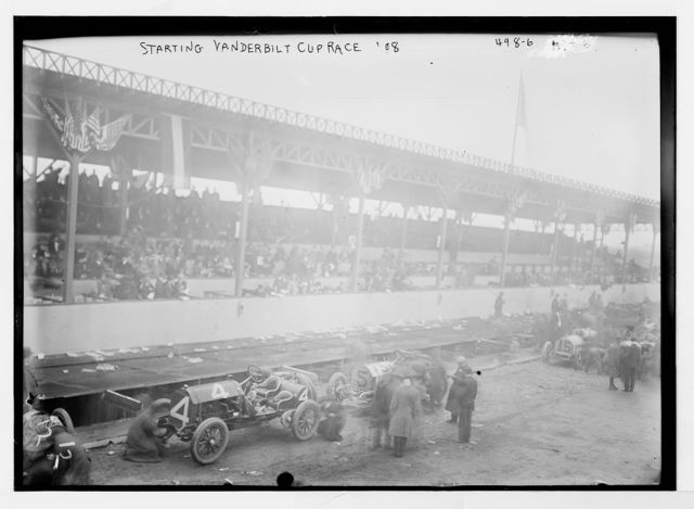 Vanderbilt Cup Auto Race, cars and officials on track before start