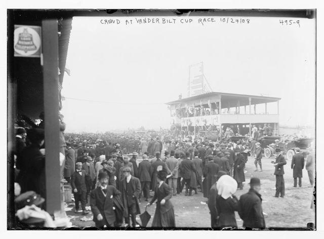 Vanderbilt Cup Auto Race, crowd