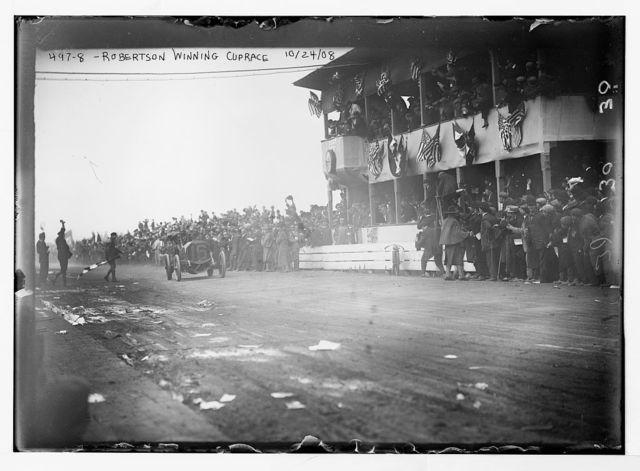 Vanderbilt Cup Auto Race, Robertson winning