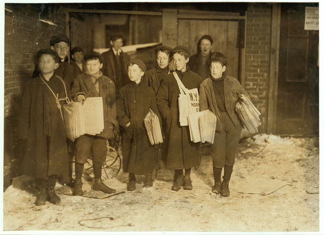 "[8,9 and 10 years old starting out at 6 A.M. Sunday. [Caption #602: ""6:00 A.M. Sunday, March 7, 1909. Boys starting out with Sunday papers. Some were only 8 and 9 years old. Many more youngsters start out at 7 A.M. Some of these little fellows had been selling until 7 and 8 P.M. and later Saturday night.""][Caption #663: ""Hartford, Conn. 6 A.M. Sunday.""].  Location: Hartford, Connecticut. / Photo by [...]"