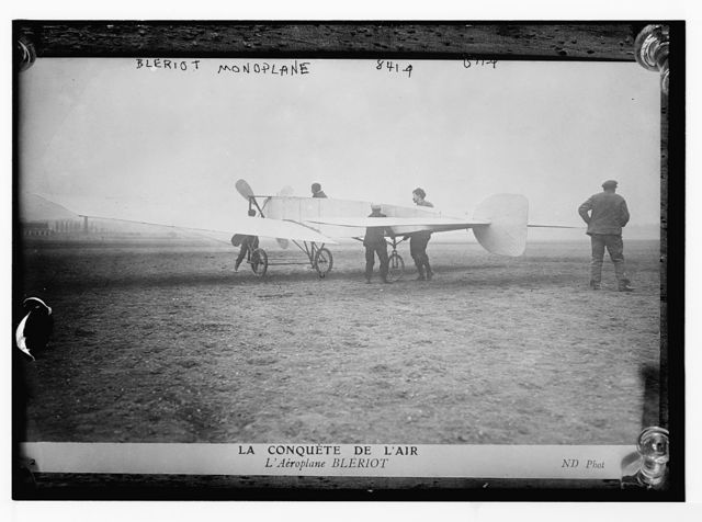 Bleriot monoplane, on field, ND Phot. / ND Phot.