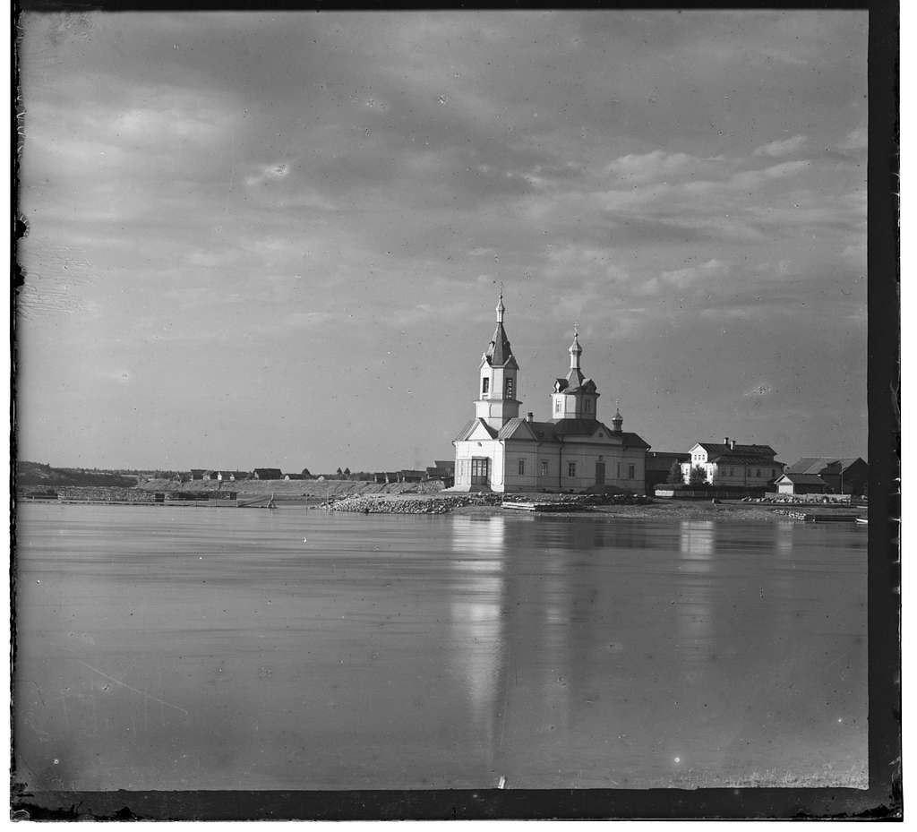 Bogoiavlenskaia tserkov'v sele Ust'-Boiarskoe Olonetskoi gubernii