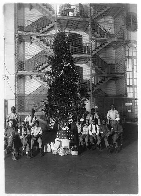 Christmas tree at the District Jail, Washington, D.C. and some of the prisoners