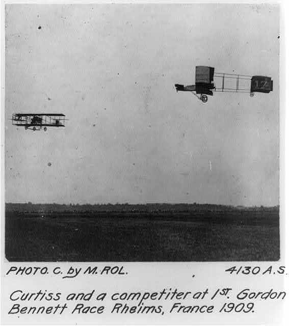 Curtiss and a competitor at 1st Gordon Bennett Race, Rheims, France