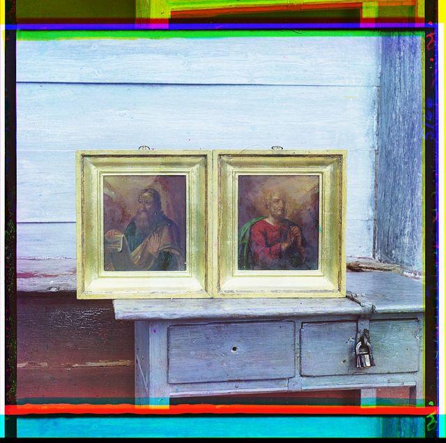 Dvi︠e︡ ikony:  Sv. Petra i Pavla. Iz chasovni Petra I v der. Petrovskoe, [Rossiĭskai︠a︡ imperii︠a︡]