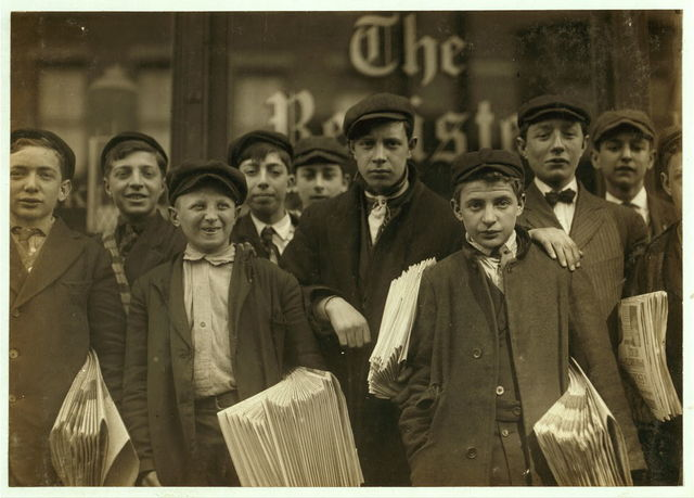 [High school route boys. Adolescents. Some in back row have been newsboys for seven, eight and nine years.]  Location: New Haven, Connecticut.