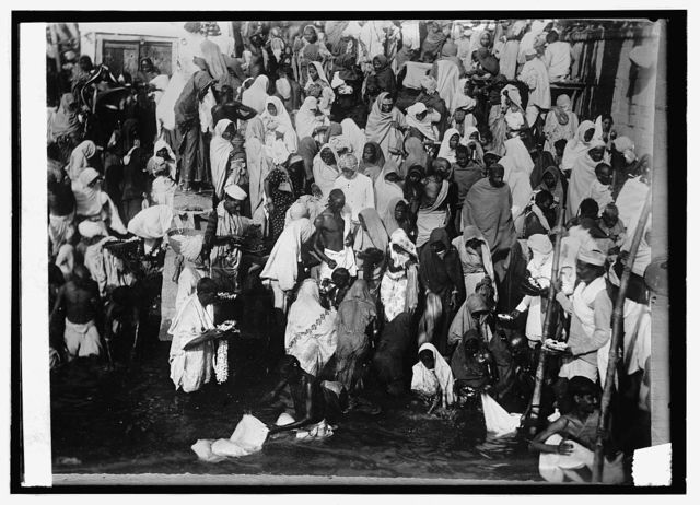 India, a group of Pilgrims in New Years day