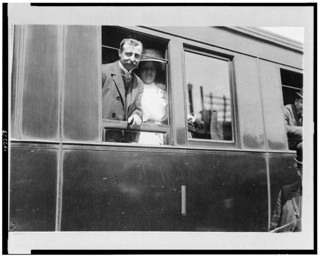 [Louis Blériot on his return with wife on train from Calais to Paris]