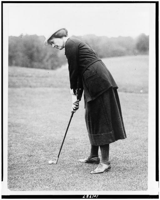 [Miss Elsie Patterson, full-length portrait, standing, facing left, ready to hit golf ball, Washington, D.C., area(?)]